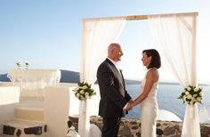 Santorini wedding-wedding ceremony   View the full gallery here:http://tietheknotsantorini.com/santorini-wedding-in-oia
