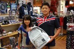 【大阪店】2014.08.24 ご家族でご来店頂きました!ちょっと恥ずかしながらも妹さんにも写真にご協力いただきました^^とっても可愛く写ってますよ^^bまた皆さんで遊びに来てくださいね^^