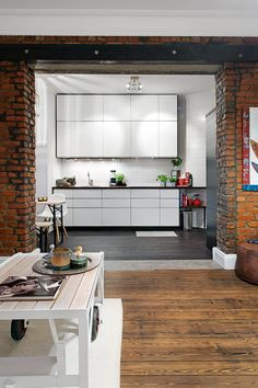 One-Room Scandinavian Apartment With An Interesting Layout http://www.homedit.com/one-room-scandinavian-apartment-with-an-interesting-layout/