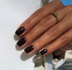 Image discovered by tulenkina. Find images and videos about black, vintage and sun on We Heart It - the app to get lost in what you love. Fabulous Nails, Perfect Nails, Gorgeous Nails, Classy Nails, Cute Nails, Pretty Nails, Black Gel Nails, Natural Gel Nails, Nail Tattoo
