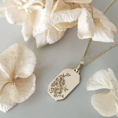Elegant and Delicate Fine Gold Jewelry by LilyandDahlia Rose Necklace, Gold Pendant Necklace, Vintage Stil, Personalized Jewelry, Necklace Lengths, Fine Jewelry, Jewellery, Jewelry Design, Flower Pendant
