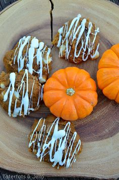 Easy Cookie Recipe - 3 Ingredient Pumpkin White Chocolate Cookies! -- Tatertots and Jello