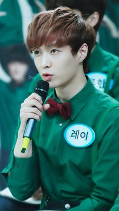 EXO Lay / Yixing just adorable☆ MY BOYFRIEND. YUP. Dats my boyfriend alright. #ChristmasDay