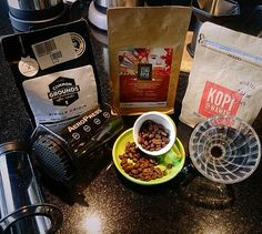 Apa pun jenisnya apapun penyajiannya kau tetap meninggalkan rasa rindu... Happy long weekend all .. #coffeelover#treeangelocoffee#kemang#aeropress#v60#commonground#beans#kopipakwawan#noahsbarn#loveramics#lovecoffee http://ift.tt/1Vbg53z