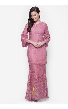 Latest Baju Kurung : Baju Kurung Moden Lace - Vercato Nora in Dusty Pink. Buy simple and elegance fla. Simple Long Dress, Simple Dresses, Pretty Dresses, Beautiful Dresses, Modesty Fashion, Muslim Fashion, Hijab Fashion, Women's Fashion, Fashion Blogs