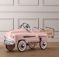 A retro pedal car from Restoration Hardware Baby & Child Ford Gt, Vintage Pink, Vintage Toys, Pub Vintage, Shabby Vintage, Carros Vw, Restoration Hardware Baby, Car Restoration, F12 Berlinetta