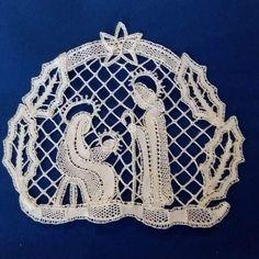 9,832 Followers, 104 Following, 181 Posts - See Instagram photos and videos from 【atelier Ao】Mayu Kashimoto (@atelier.ao) Freeform Crochet, Irish Crochet, Lace Art, Bobbin Lace Patterns, Fillet Crochet, Christmas Holidays, Christmas Ornaments, Lana, Textiles