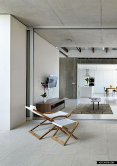 House 0614 in Cyprus // Simpraxis Architects | Afflante.com. [Concrete ceilings!]