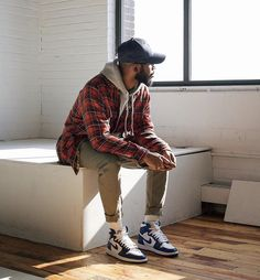 Men Casual Styles 856809897846380289 - 35 Best Fashion joggers images in 2019 Winter Outfits Men, Stylish Mens Outfits, Trendy Mens Fashion, Nike Men Fashion, Hipster Fashion Guys, Casual Guy Outfits, Mens Streetwear Fashion, Mens Grunge Fashion, Band Tee Outfits