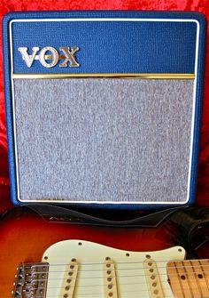 Vox AC4 C1 Blue + Fender Stratocaster