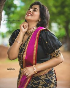 To make it easier for you, we have the top trending beautiful silk saree blouse designs so that you can choose the best for your saree look. Choli Blouse Design, Silk Saree Blouse Designs, Bridal Blouse Designs, Pattern Blouses For Sarees, Blouse Patterns, Blouse Back Neck Designs, Black Blouse Designs, Stylish Blouse Design, Blouse Models