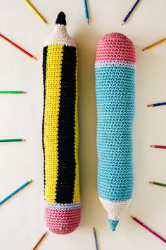 DIY: pencil crochet pillows