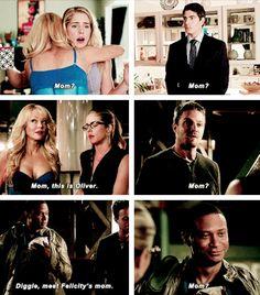 Felicity, Donna, Ray, Diggle & Oliver #Arrow #TheSecretOriginOfFelicitySmoak #MamaSmoak