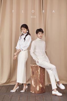 korean prewedding new sample photoshoot Korean Wedding Photography, Couple Photography Poses, Creative Fashion Photography, Fashion Photography Inspiration, Pre Wedding Poses, Pre Wedding Photoshoot, Korean Couple Photoshoot, Fashion Couple, Fashion Poses