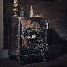 """Algunos dicen que Jack Daniel no sólo nos dejó su Tennessee Whiskey, sino también una valiosa lección: """"No vayas a trabajar temprano""""."""