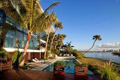 Casa de lujo vista al mar en Miami por Touzet Studio http://www.arquitexs.com/2013/11/casa-de-lujo-miami-touzet-studio.html