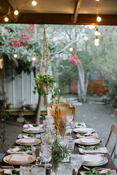 Hunt-Gather-dinner-party-found-vintage-rentals-inspired-by-this