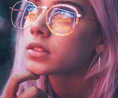 grafika girl and light
