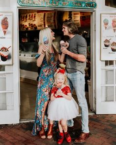 """Savannah Rose Soutas on Instagram: """"I have the cutest valentines in the whole entire world!"""" Cute Family, Beautiful Family, Family Kids, Family Goals, Savannah Soutas, Cole And Savannah, Sav And Cole, Everleigh Rose, Pretty Photos"""