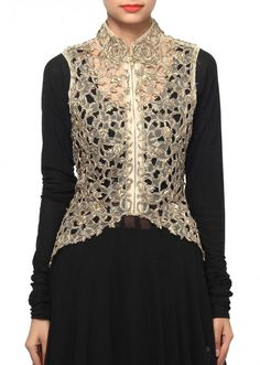 Simple Kurti Designs, Salwar Designs, Kurti Designs Party Wear, Pakistani Dresses Online, Pakistani Dresses Casual, Pakistani Dress Design, Dress Neck Designs, Blouse Designs, Jacket Over Dress