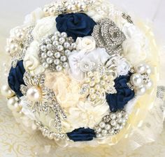 Gold and blue wedding bouquets ideas