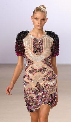 Matthew Williamson Runway: Spring/Summer 2010 - London Fashion Week // I LOVE THIS!