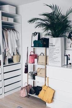 IKEA Hyllis Hack: Meine DIY Taschen-Aufbewahrung im Ankleideraum! (Who is Mocca? Ikea Storage, Storage Hacks, Closet Storage, Bedroom Storage, Diy Bedroom, Storage Ideas, Basement Storage, Bedroom Wardrobe, Ikea Wardrobe