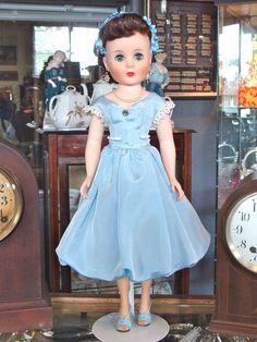 "Sweet Sue Sophisticate ""High Society"" Doll - Bayberry's Antique Dolls #dollshopsunited"