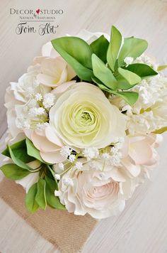 Неувядающие цветы из глины и ревелюра