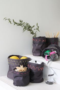 DIY storage bags Sewing Tutorials, Sewing Crafts, Sewing Projects, Diy Organization, Diy Storage, Homemade Gifts, Diy Gifts, Cool Diy, Easy Diy