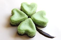 Mini Mint Cheesecake Clovers for St. Patrick's Day