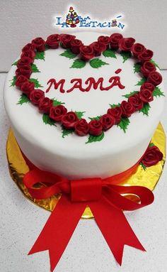 TORTA DE CUMPLEAÑOS - TORTA DIA DE LA MADRE -TORTA  PARA MAMÁ Birthday Kek, Happy Birthday Cakes, Mothers Day Cake, Happy Mothers Day, Cake Icing, Buttercream Cake, Ideas Aniversario, Heart Shaped Birthday Cake, Valentine Cake