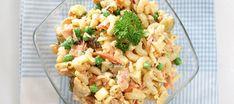 Helppo italiansalaatti Pasta Salad, Risotto, Potato Salad, Cauliflower, Salads, Food And Drink, Vegetarian, Dinner, Vegetables
