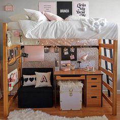 Dorm Room Inspo & Moving Tips - Central Florida Chic College Bedroom Decor, Room Ideas Bedroom, College Dorm Rooms, Girls Bedroom, Master Bedroom, College Tips, Master Suite, College Dorm Essentials, College Checklist