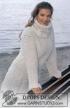 "Rillestrikket DROPS kjole med brede vrborder i ""Eskimo"" ~ DROPS Design"