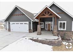 Ideas Exterior Paint Colora For House Cedar White Trim House Paint Exterior, Exterior Siding, Exterior House Colors, Wood Siding, Grey Siding House, Siding Colors For Houses, Farmhouse Exterior Colors, Rustic Home Exteriors, Home Exterior Design