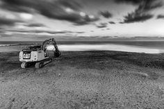 Impossible Challenge - A excavating left by the seaside