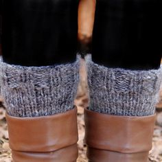 Check out this great pattern for these adorable knitted boot cuffs! Great project for beginners!
