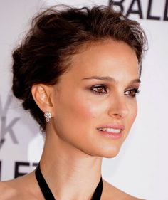 Natalie Portman @ New York City Ballet Spring Gala. She's glowing!