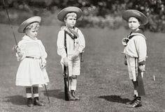 Princess Mary, Princes Edward and Albert (later King Edward VIII, and King George VI circa 1901
