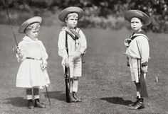 Princess Mary, Princes Edward and Albert (later King Edward VIII, and King George VI circa 1901