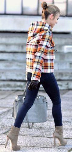 Look Of The Day Jacket Skinnies Suede Booties TArtan I Love Fashion, Daily Fashion, Passion For Fashion, Women's Fashion, Street Style 2014, Street Chic, Trendy Outfits, Cute Outfits, Denim Heels
