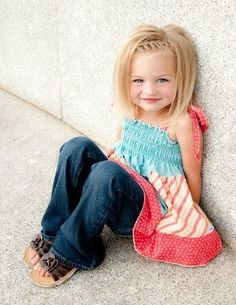 Girls at the age of 3 or 4 look very adorable with a trendy hairstyle. Here are some of the best toddler hairstyles for girls that you can try on your daughter.