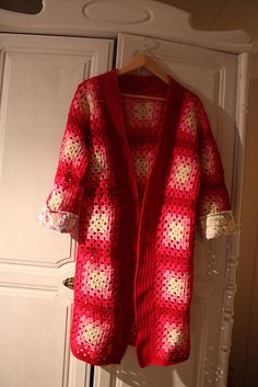 Ravelry: Topaz Hooded Jacket pattern by Woman's Day - http://www.ravelry.com/patterns/library/topaz-hooded-jacket