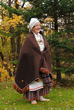 Woman with traditional woollen wrap, Põlva, South Estonia.  Eesti Rahvarõivad > Põlva naine