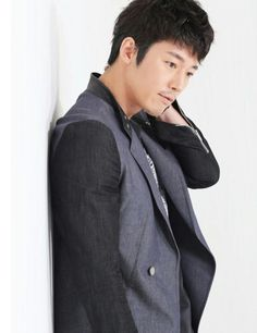 Jang Hyuk on Check it out! Jang Hyuk, Actor Photo, Hyun Bin, Watch Full Episodes, Man Candy, Superman, Kdrama, Singing, Handsome