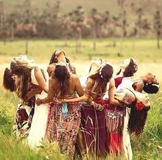 Sisterhood and Women's Ritual The time for creating, reclaiming and rewriting rituals by and for women is now. Women's ritual is the… Coaching, Bff Pictures, Girls Dpz, Best Friends Forever, Girl Gang, Girl Power, Besties, Photoshoot, Female