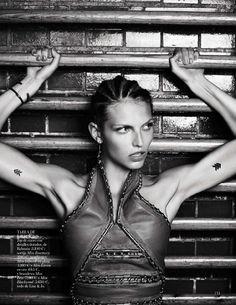 Vogue España January 2015 DEPORTE URBANO Photographer: Hasse Nielsen Stylist: Claudia Englmann Hair: Cim Mahony Make-up: Zenia Jaeger Model: Karlina Caune