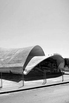 Torraja's bus station Concrete Architecture, Gothic Architecture, Beautiful Architecture, Contemporary Architecture, Architecture Details, Interior Architecture, Gaudi, Shell Structure, Interesting Buildings