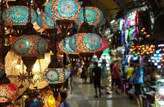 Walking tour in Grand Bazaar Istanbul Walking tour in the Grand Bazaar (Kapalıçarşı) in Istanbul Hotels, Istanbul City, Istanbul Travel, Istanbul Turkey, Istanbul Guide, Grand Bazaar Istanbul, Turkish Lessons, Walking Tour, Tourism